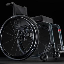 Mechanický vozík aktivní Küschall Champion 2.0 z boku